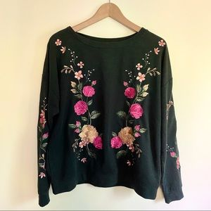 Sweatshirt with embroidered flower detail